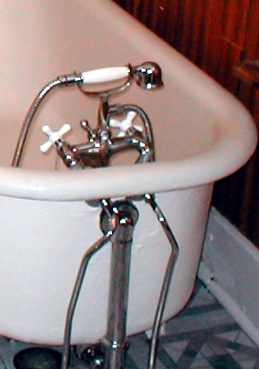 Claw Foot Tub U0026 New Faucet/shower   Click On Photo For Larger Image